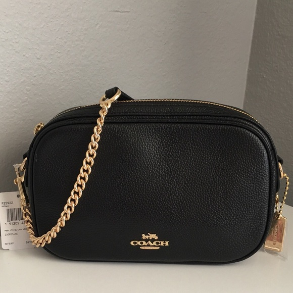 5cae39c83e42e Coach Isla Chain crossbody Bag NWT